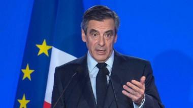 Fillon « bousculé » avant son meeting à Nantes