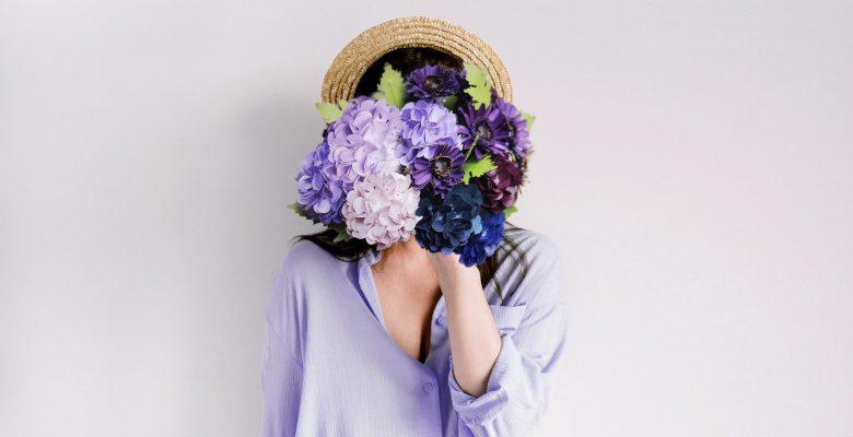 Devenir fleuriste à 40 ans : comment réussir son lancement en ligne ?